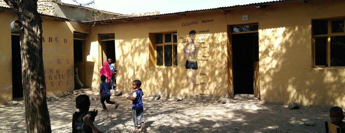 Construire une école pour le village